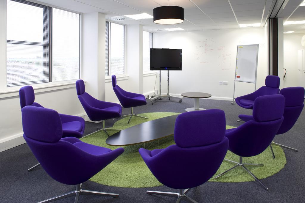 Projectstoffering meubelstoffeerderij voor het stofferen van alle soorten banken stoelen en meer - Moderne stoffering ...